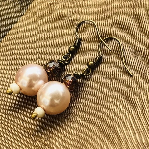 Costume Jewellery Pearl effect Glass Beads Rose